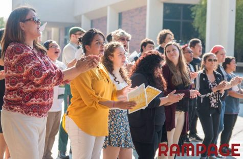 City Singers Sing for Peace in Campus Flashmob