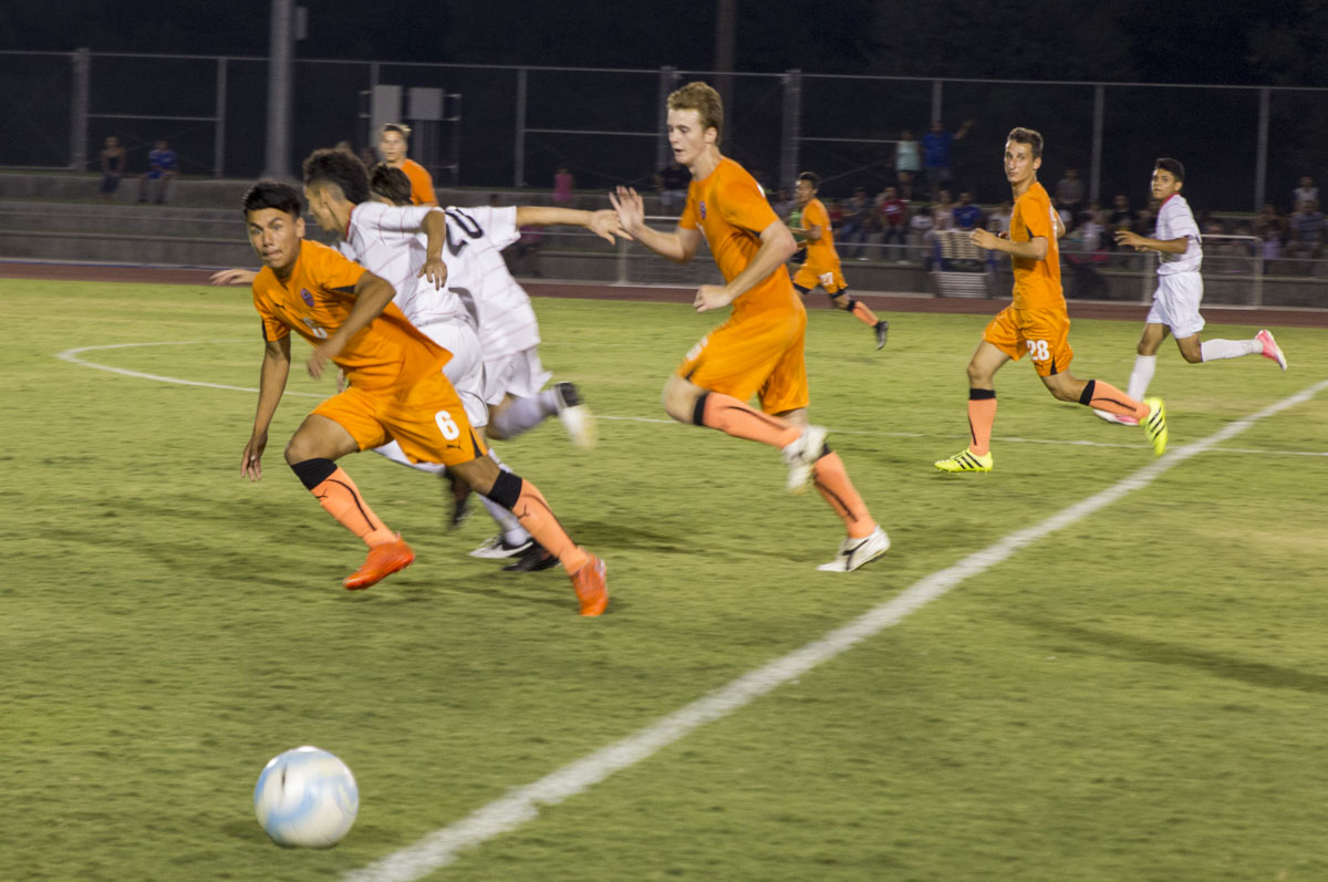 FCC+defeated+in-town+rival+Fresno+Pacific+University+2-1+in+a+friendly+scrimmage+Aug.+19+at+the+Fresno+Pacific+campus.
