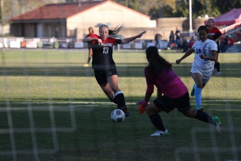 Fresno City College forward Tori Coles takes on the opponent's goalie during a home game against Cerro Coso Community College on Tuesday, Nov. 7, 2017.