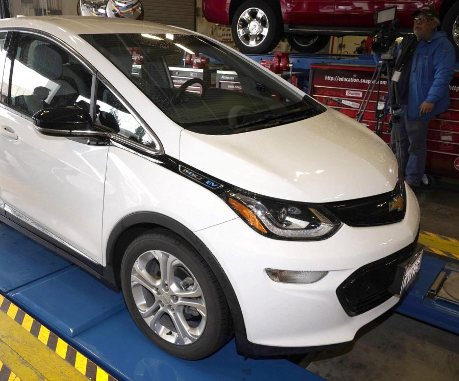 A+Chevrolet+Volt+EV%2C%2C+which+will+be+used+in+the+Bolt+to+College+program.