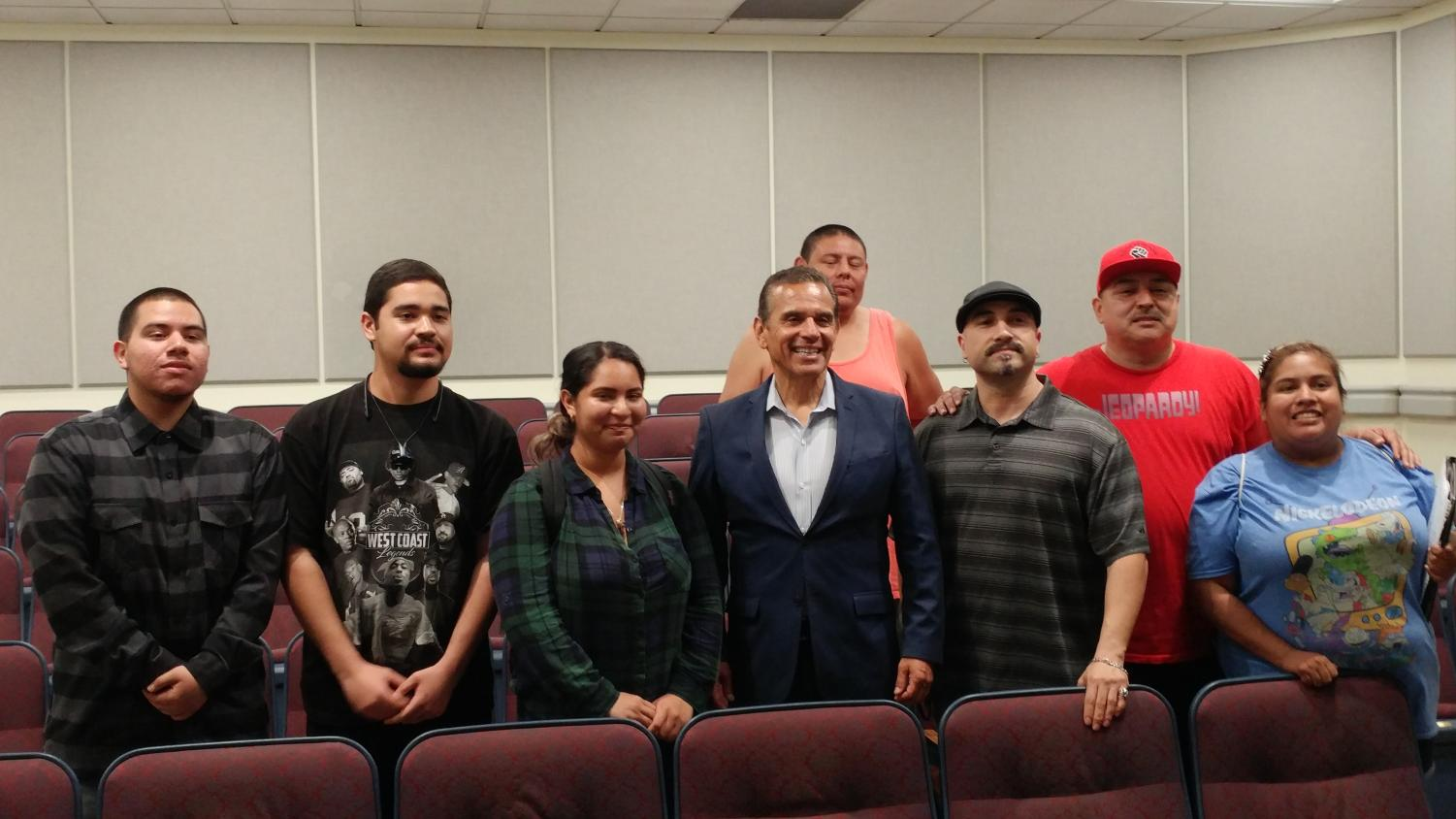 2018 California Governor Candidate Antonio Villaraigosa answers questions from FCC students about issues facing the Central Valley and more. Photo/Andrew R. Leal