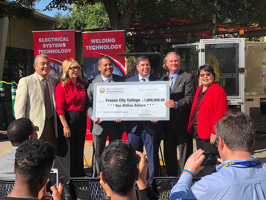 Joaquin Arambula awards a one million dollar grant to FCC's Career and Technical Education program to build a new robotics lab, 9 Oct. 2018.