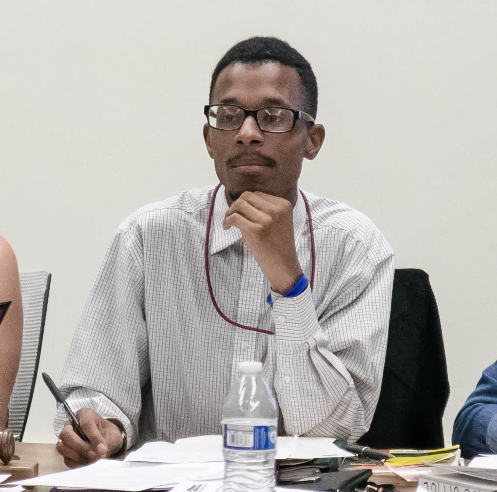 Student government president Christopher Washington leads the Associated Student Government meeting on Tuesday, Sept. 18, 2018.